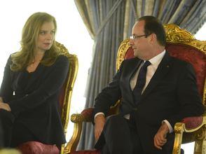 Francois-Hollande-atterre-par-le-livre-choc-de-Valerie-Trierweiler_exact294x221_l